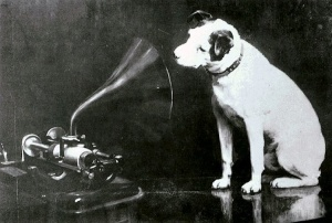 Painting by Francis Barraud featuring Nipper and an Edison Bell cylinder phonograph, used in various audio brand logos.